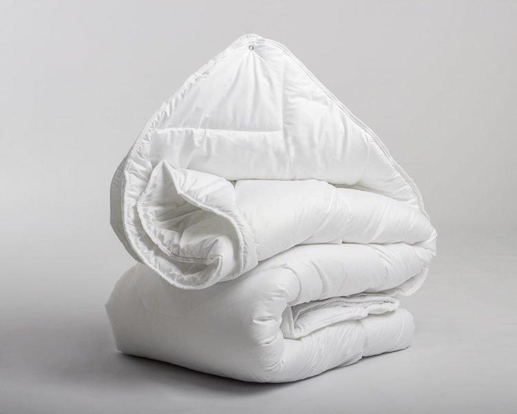 4 seizoenen dekbed, merk Sleeptime, Sleeptime Touch, zomer koel, winter warm, 100% Percal Katoen, Katoen, Percal, fijn geweven, 3D Air Micro Touch, kleur wit, goedkoop, snel leverbaar, luchtig dekbed, voelt zacht aan, 100% holle vezels.