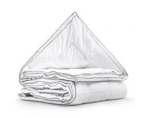 Dekbed 4-seizoenen dekbed, merk Sleeptime, 3D Air Micro Touch, geurvrij, luchtig, warm, vocht regulerend, wit met groen randje, scherpe prijzen en snel geleverd, holle vezels