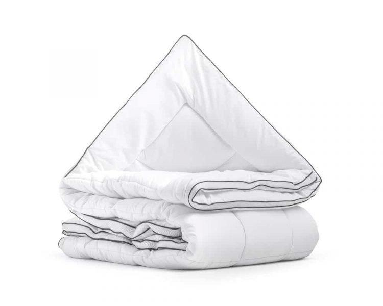 Enkel dekbed, merk sleeptime, 100% polyester holle vezels, de tijk is van 100% zacht geweven Micropercal, dat lekker zacht aanvoelt aan het lichaam, kleur wit